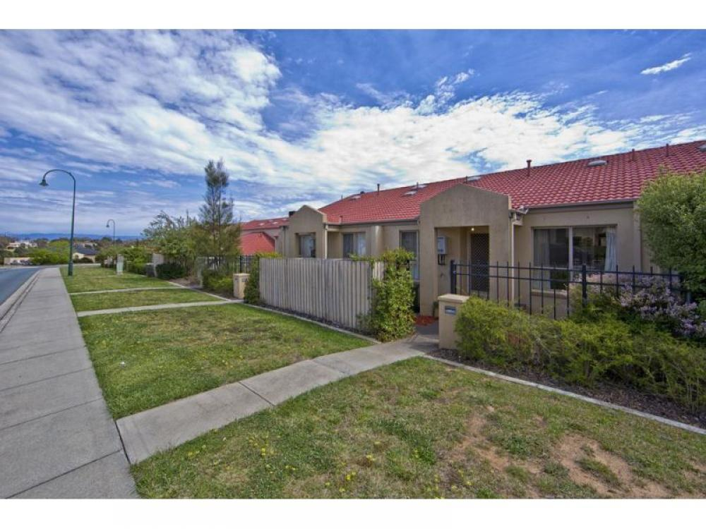 Outstanding location, a must for first home buyers and investors.