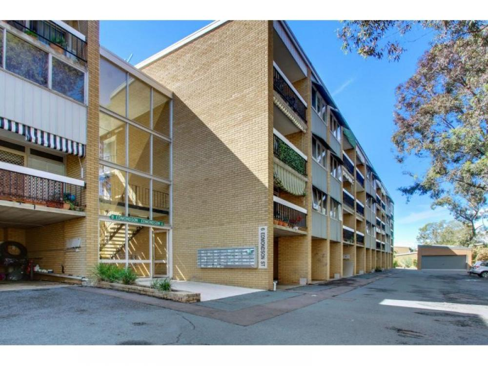 Seidler apartment with great potential!