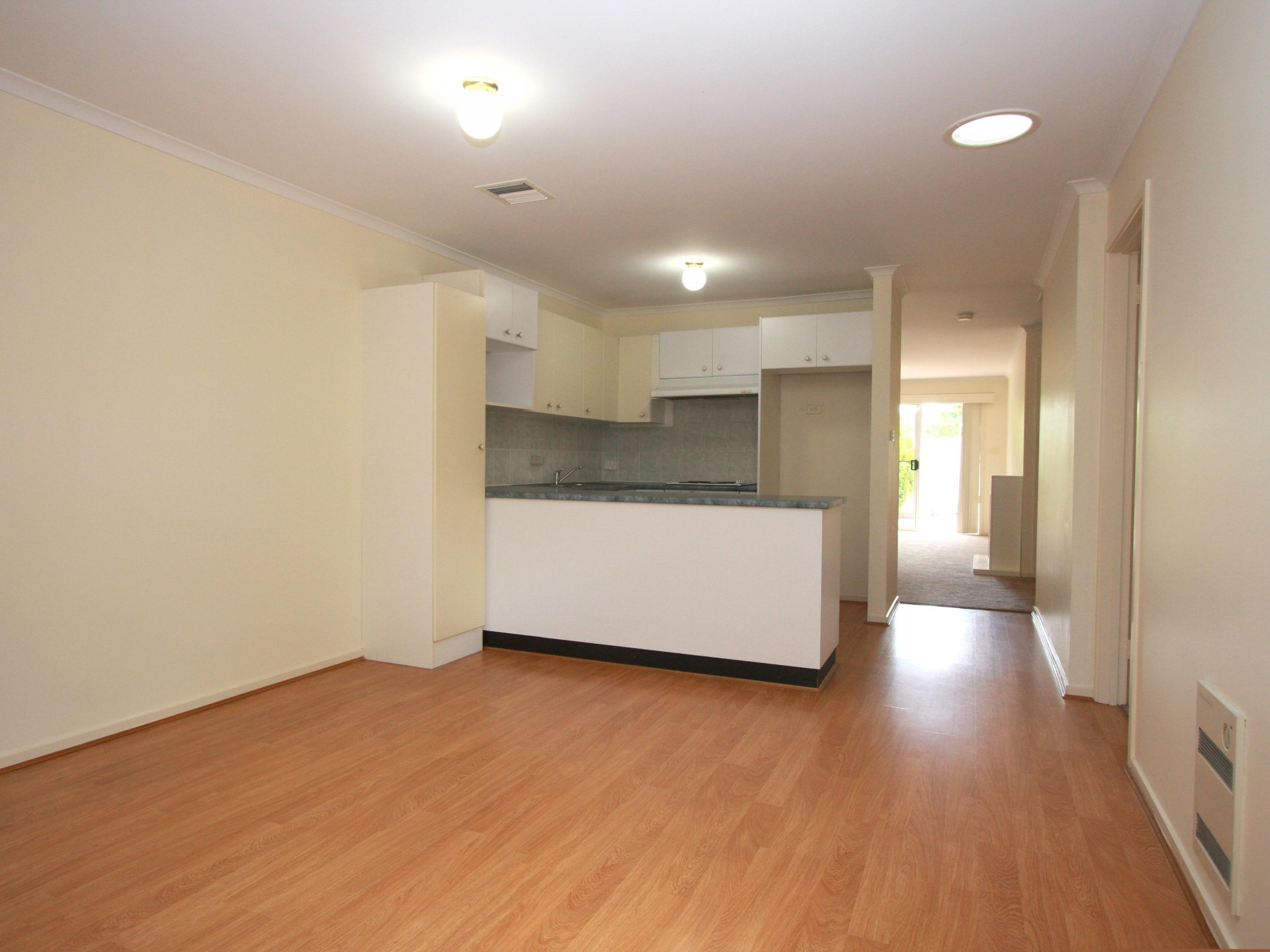 Neat and Tidy Townhouse in Florey