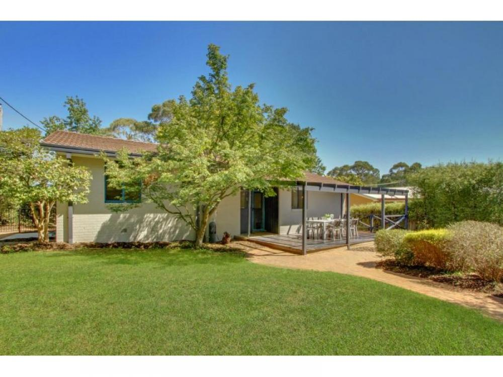 Newly renovated in Weston Creek