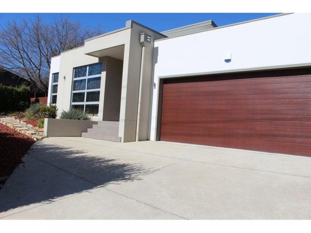 Short term lease - STYLISH AND CONTEMPORARY FAMILY HOME IN GREAT LOCATION