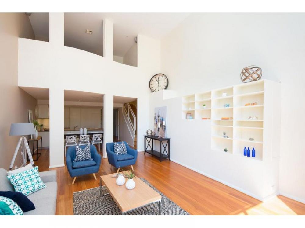 Stylish well-appointed townhouse in Garran